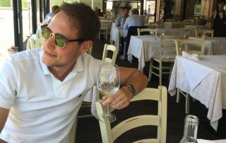 Glas witte wijn met diabetes type 1